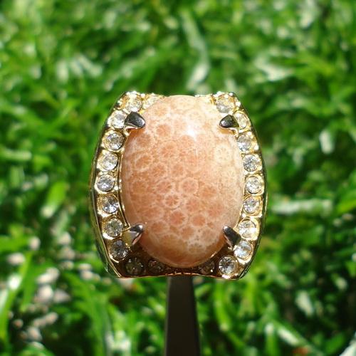 Batu Cincin Mustika Ular Putih