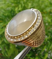 Batu Cincin Mustika Pancuran Emas