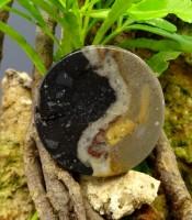 Batu Mustika Yin dan Yang