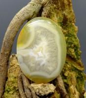 Batu Mustika Kantong Kristal