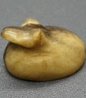Batu Mustika Katak Dwi Warno