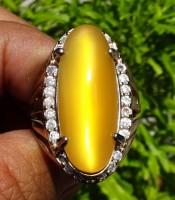 batu cincin mustika mata kucing kuning emas bersertifikat