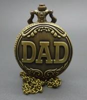 Manfaat Jam Pendulum Motif Tulisan DAD