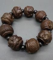 Kegunaan Gelang Kayu Gaharu Motif Kepala Budha