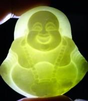 Manfaat Mustika Liontin Giok Budha Tertawa