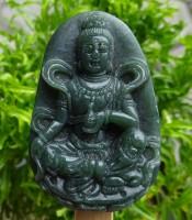 Kegunaan Liontin Giok Keberuntungan Dewi Kwan Im