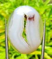 Khasiat Mustika Pengasihan Combong Putih Kristal